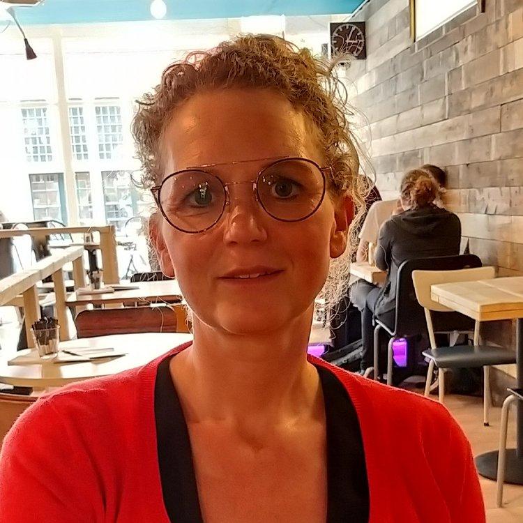 Yvonne Dekkers